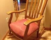 Beautiful Vintage Oak Tiger Wood Rocking Chair Nursery Rocker shipped GPX Greyhound Bus/Jefferson Lines