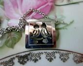 Vintage Pendant With Love Birds cut out silhouette silvertone