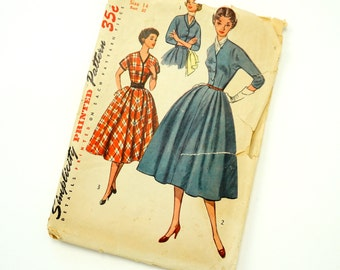 Vintage 1950s Womens Size 14 One Piece Day Dress Simplicity Sewing Pattern 4369 / bust 32 / Complete