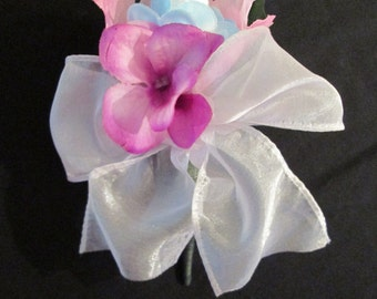 baby shower corsage, baby sock flower corsage, baby shower pin