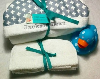 Organic Bath Set, Includes a Toddler Towel and Wipes of Your Choice