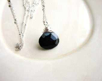 Obsidian Stone Necklace Briolette Pendant Necklace Wire Wrapped Black Faceted Stone Necklace Stone Necklace Minimalist Layerin