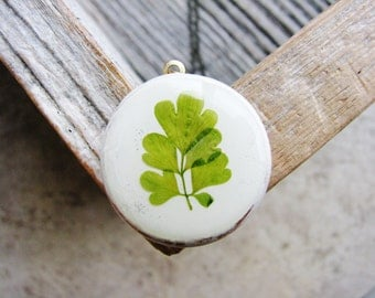 Pressed Leaf Necklace Real Green Leaves in Resin Corydalis Leaves Wood Pendant Necklace Unique Jewelry Naturalist Gift Bridal Jewelry