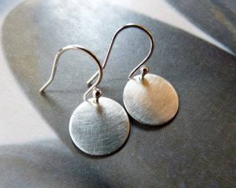 Silver disc earrings, dangle earrings (small), natural jewelry, gift for wife, casual wear, gift for girl, birthday gift, Christmas present