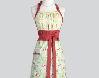 Cute Kitsch Retro Apron - Full Vintage Womens Apron in Rust and Green Floral Kitchen Apron Cute Apron Chef Apron