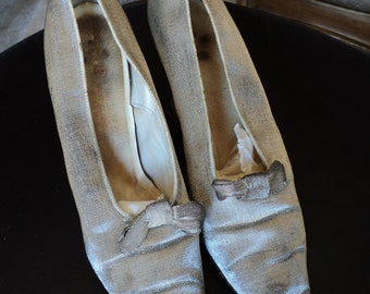 FINAL SALE Silver Lame Art Deco Shoes With Bows Good Condition Pointed Toe Louis Heel Flapper 1920s
