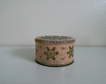 Pretty Vintage Tin