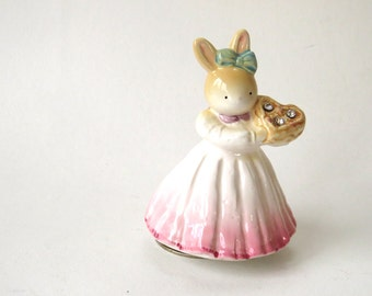 Vintage, Rabbit Figurine, music box, Porcelain, 1960s, Dancing, Bunny, Figurine,  home decor, Child's room, Baby gift, Girls Gift, 1960s,