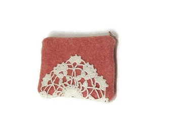 Zippered bag small pouch vintage doily pink white