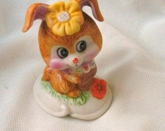 Little bunny figurine statue