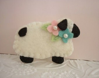 Felt Brooch Easter Sheep Lamb Pin Felt Flower Beaded Primitive