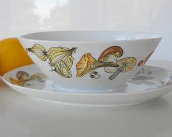 Vintage K&A Krautheim Selb Bavaria Germany Gravy Boat, Sealife and Vegetable Motif
