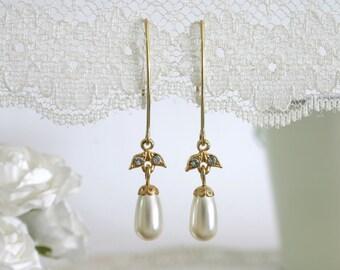 Bridesmaid pearl earrings, pearl bridesmaid earrings, bridesmaid gift, Dangle pearl earrings, tear drop pearl earrings