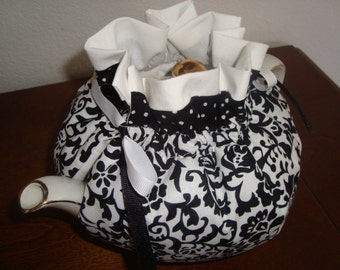 Damask Black and White Tea Pot Cozy
