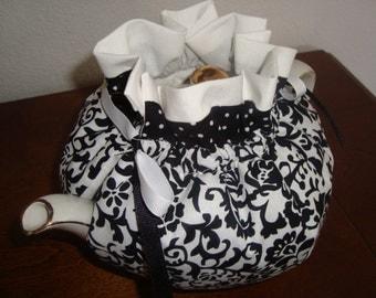 Damask Black and White Tea Pot Cozy