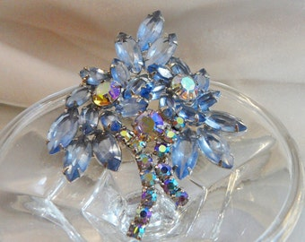 Vintage Juliana Brooch. D&E. Delizza and Elster. Ice Blue Rhinestones. AB