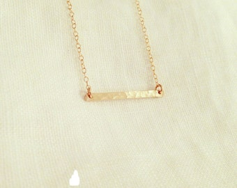 Tiny Hammered Bar Necklace in Gold - Little Bar Pendant Suspended - Dainty Gold Jewelry - Minimalist - Perfect Gift - thelovelyraindrop