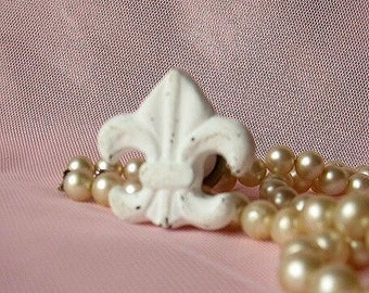 Fleur De Lis Knob in Rustic White/ Drawer Pull/ Shabby Chic/ Rustic/ French decor