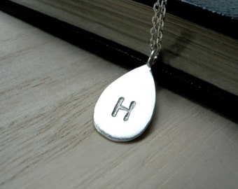 Initial H necklace rain drop pendant - Personalized hand stamped silver disc necklace for her - Unique handmade jewelry