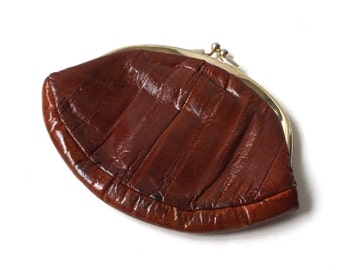 vintage 1970's eel skin large coin purse womens fashion brown mid century retro animal leather accessories accessory round double kiss lock