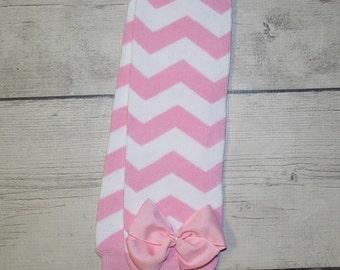 Light pink chevron legwarmers with light pink bows