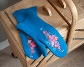 Turquoise felted mittens teal merino wool winter gloves retro pink roses flowers blue arm warmers Victorian style mittens Christmas gift
