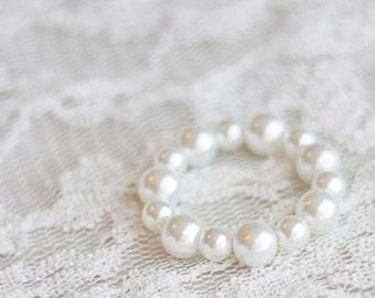 Newborn Pearl Bracelet. Child Bracelet. Baby Bracelet. Bead. Ivory. Newborn. Toddler. Photography Prop. Newborn Prop. Tolola Design.