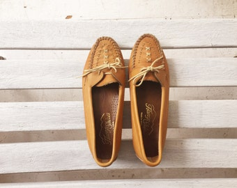 vintage tan leather loafers, camel neutral slip ons, womens shoes size 8.5