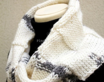 Knitted Neckwarmer in Cream/Grey -Scarf - Handmade by T. Catana - Made to Order: 3-4 business days.