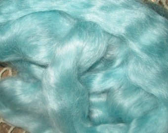 Bue Green Mohair Top Roving