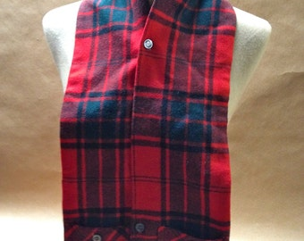 Scardigan by CISCO Australian Wool Red and Green Plaid Muffler or Ascot