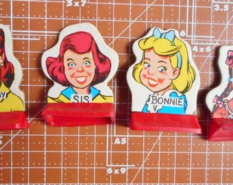 Vintage Game Pieces Go To The Head Of The Class  All Girls 1965