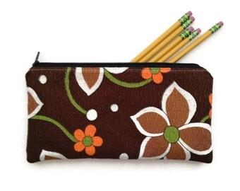 Zipper Pouch Pencil Case - Vintage Floral Fabric - Handmade - Makeup Bag