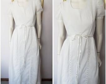 Vtg.60s White Cotton Anglaise Ribbon Snow White Maxi Dress.S.Bust S.Bust 36.Waist 28.