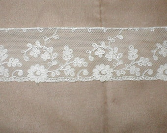 Antique Vintage Ivory Tambour Lace Trim