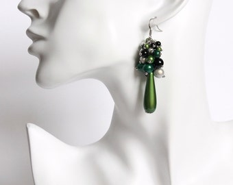 Green Black White Sheening Cluster Earrings