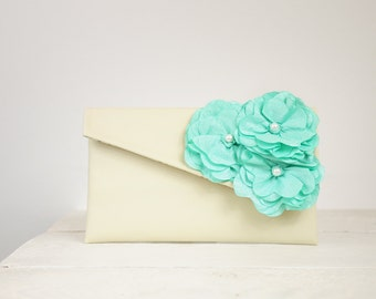Mint Green Bridesmaid Clutch, Personalized Bridesmaid Gift, Mint Green purse