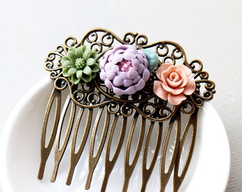 Tri Floral Hair Comb. Lilac, Green and Peach Fowers Filigree Hair Comb. vintage style, bridesmaid hair comb, wedding hair accessory