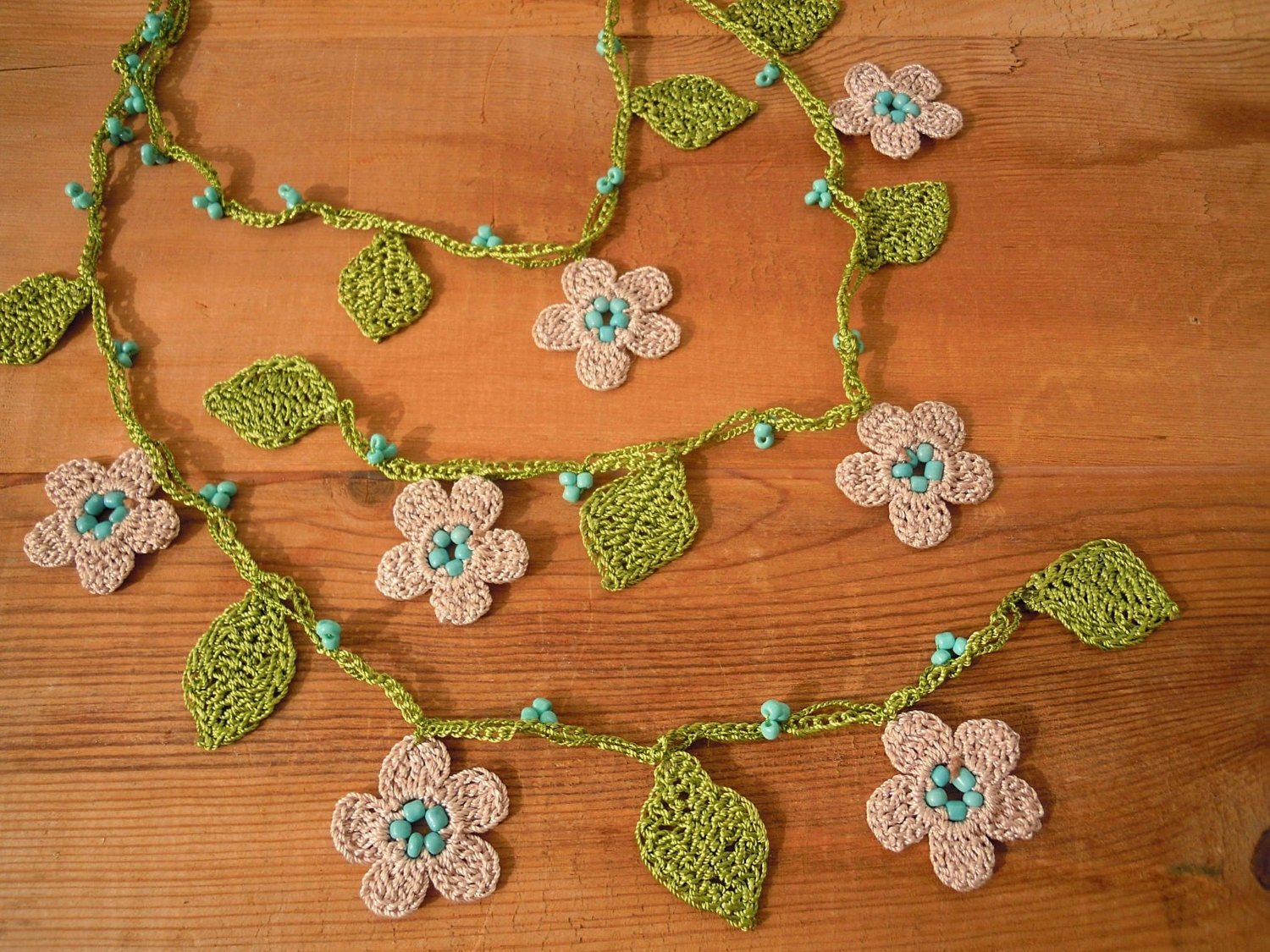 crochet necklace lariat cream flower green leaves by ...