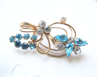 Blue Rhinestone Brooch Gold Wedding Brooch 1950's  from AllieEtCie