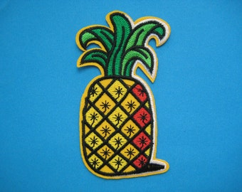 Iron-on Embroidered applique Pineapple 4 inch