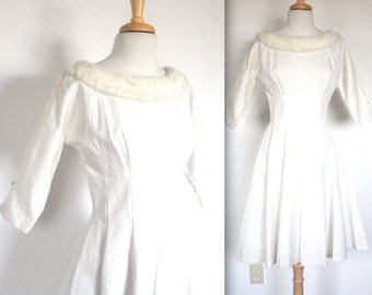 Vintage 1950's Dress // 50s White Brocade Party Dress with Fur Collar // 50s Winter Wedding Dress // DIVINE