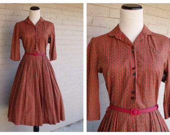 Vintage 1950's Red Green Flower Print Swing Collared 3/4 Sleeves Rockabilly Retro Mid Century Mad Men Dress Frock Small S