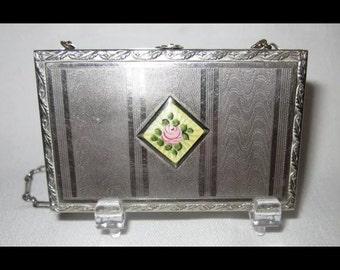 Antique compact dance purse with guillioche
