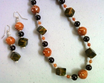 Dark Orange, Black and Green Necklace and Earrings (0215)