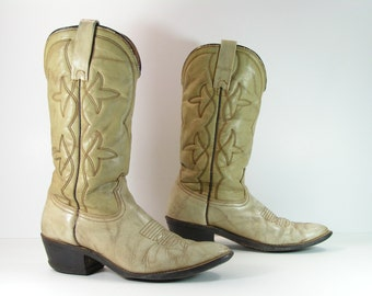 vintage cowboy boots women's 8.5 M B bone leather cowgirl 1970's made in u.s.a.