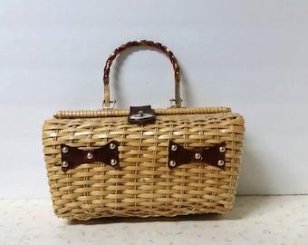Vintage Basket Purse With Lucite Handle Pin Up Handbag