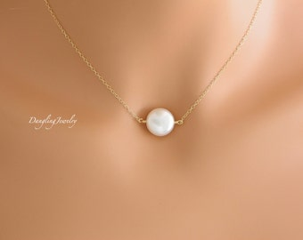 Dainty coin pearl necklace, wedding Gift, bridesmaid gift ideas, bridesmaid jewelry, simple, Gift for wife, Mom Necklace