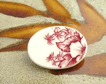 BROKEN CHINA BROOCH - Red Floral