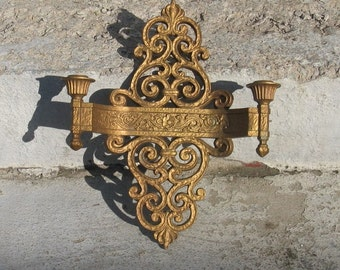 dart gold wall sconce ornate details 1960s decor hollywood regency gothic